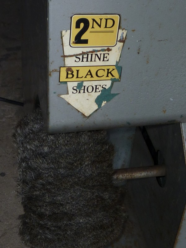 machine operated Vintage shining coin shoe