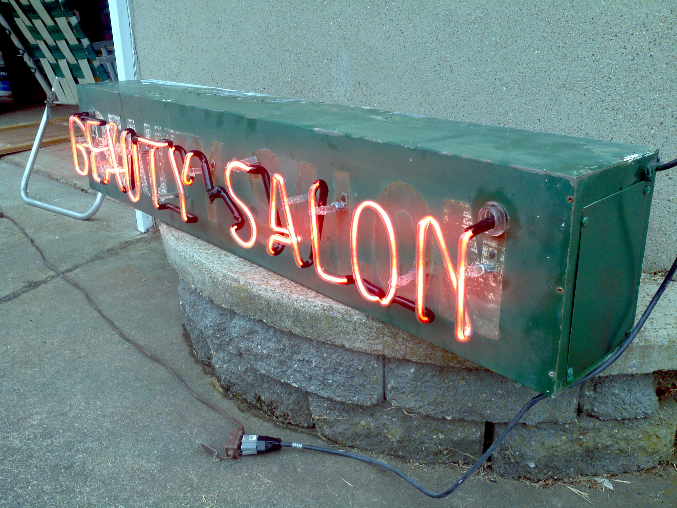Vintage Beauty Salon Neon « Obnoxious Antiques