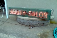 beauty Salon Neon2