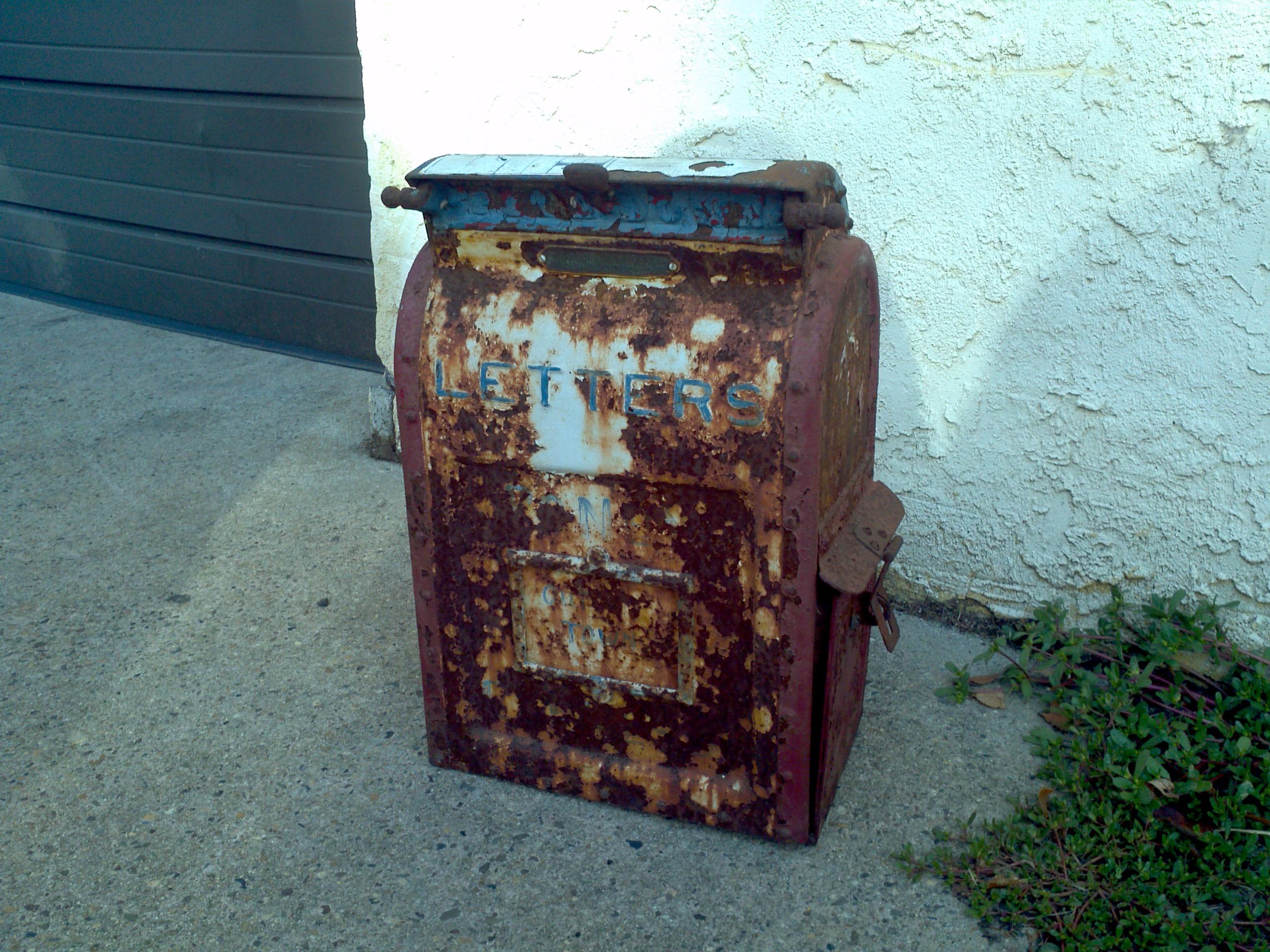 Antique Cast Iron U.S. Mail Box « Obnoxious Antiques