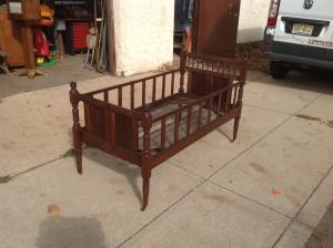 crib antique  3