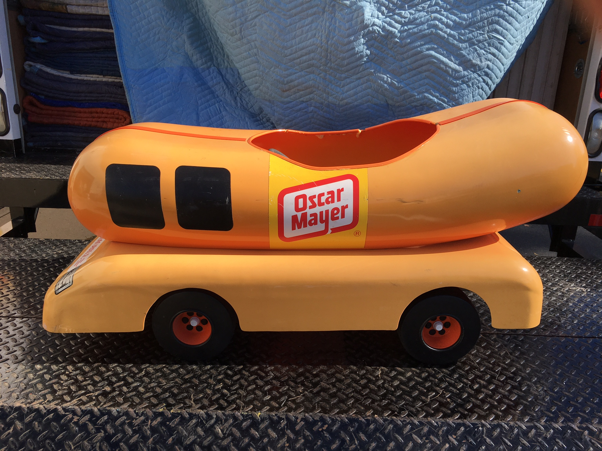oscar mayer wienermobile pedal car obnoxious antiques. Black Bedroom Furniture Sets. Home Design Ideas