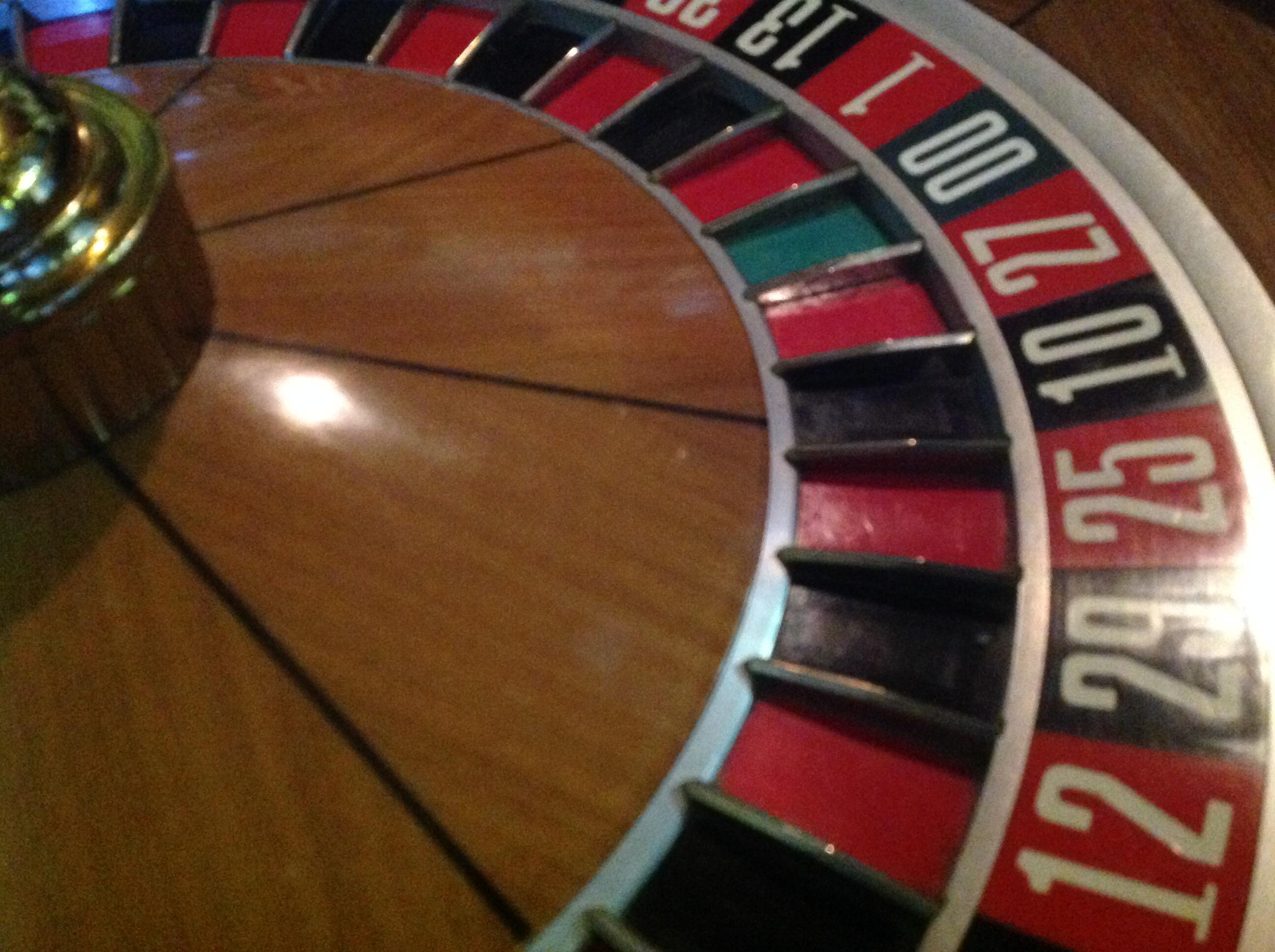 Roulette 4 Hrg 4: Vintage Huxley Roulette Gambling Wheel « Obnoxious Antiques