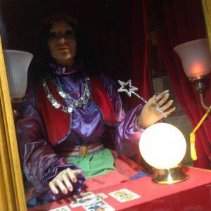 fortune-teller-esterellas-done-9