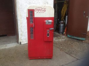 coke machine vendo 81 10