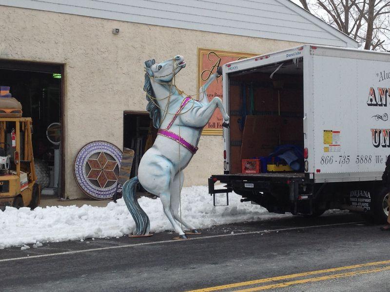 horse fiberglass white 5