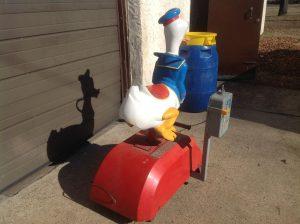 donald duck kiddie ride