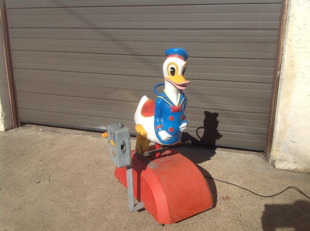 donald duck kiddie ride 5