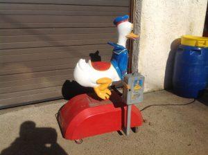 donald duck kiddie ride 8