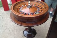 roulette wheel & table 5