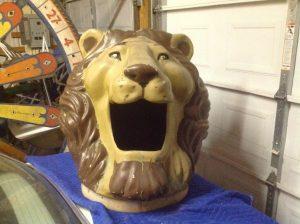 lion trash can lid 4