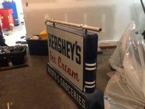 hershey sign double 4