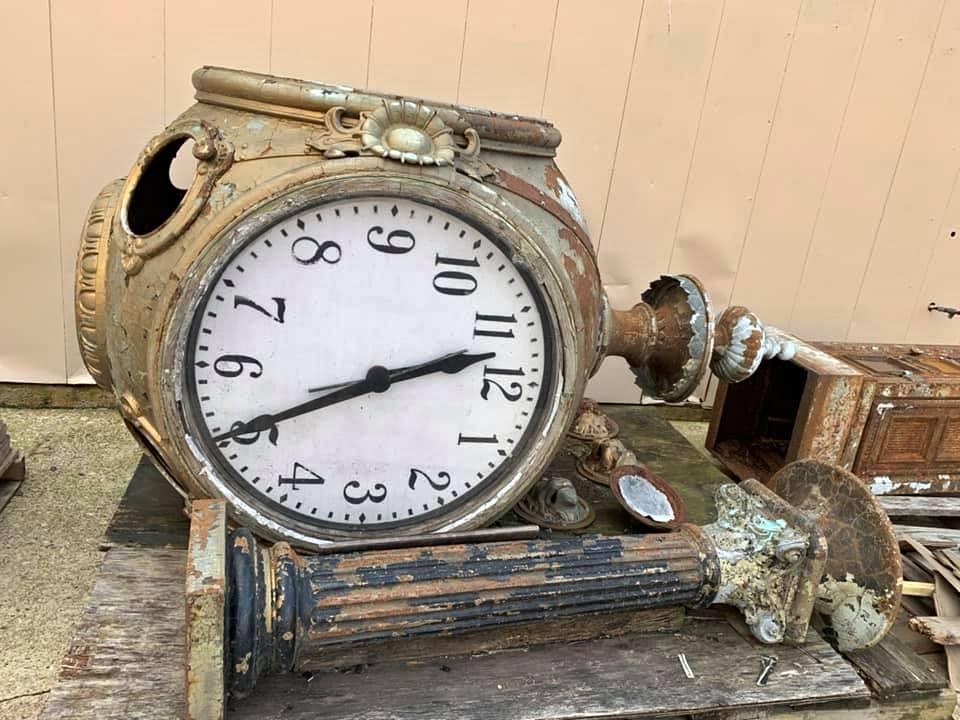 clock hey and peabody
