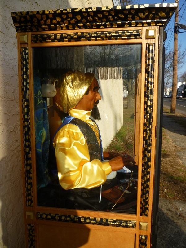 Pay Here Buy Here >> Zoltar Fortune Telling Arcade Machine « Obnoxious Antiques
