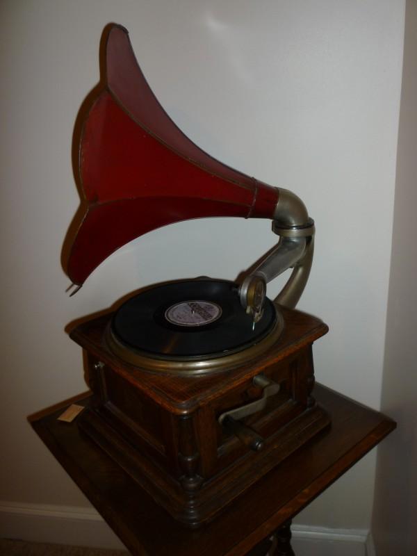 1920's Columbia Disc Gramophone Phonograph « Obnoxious ...