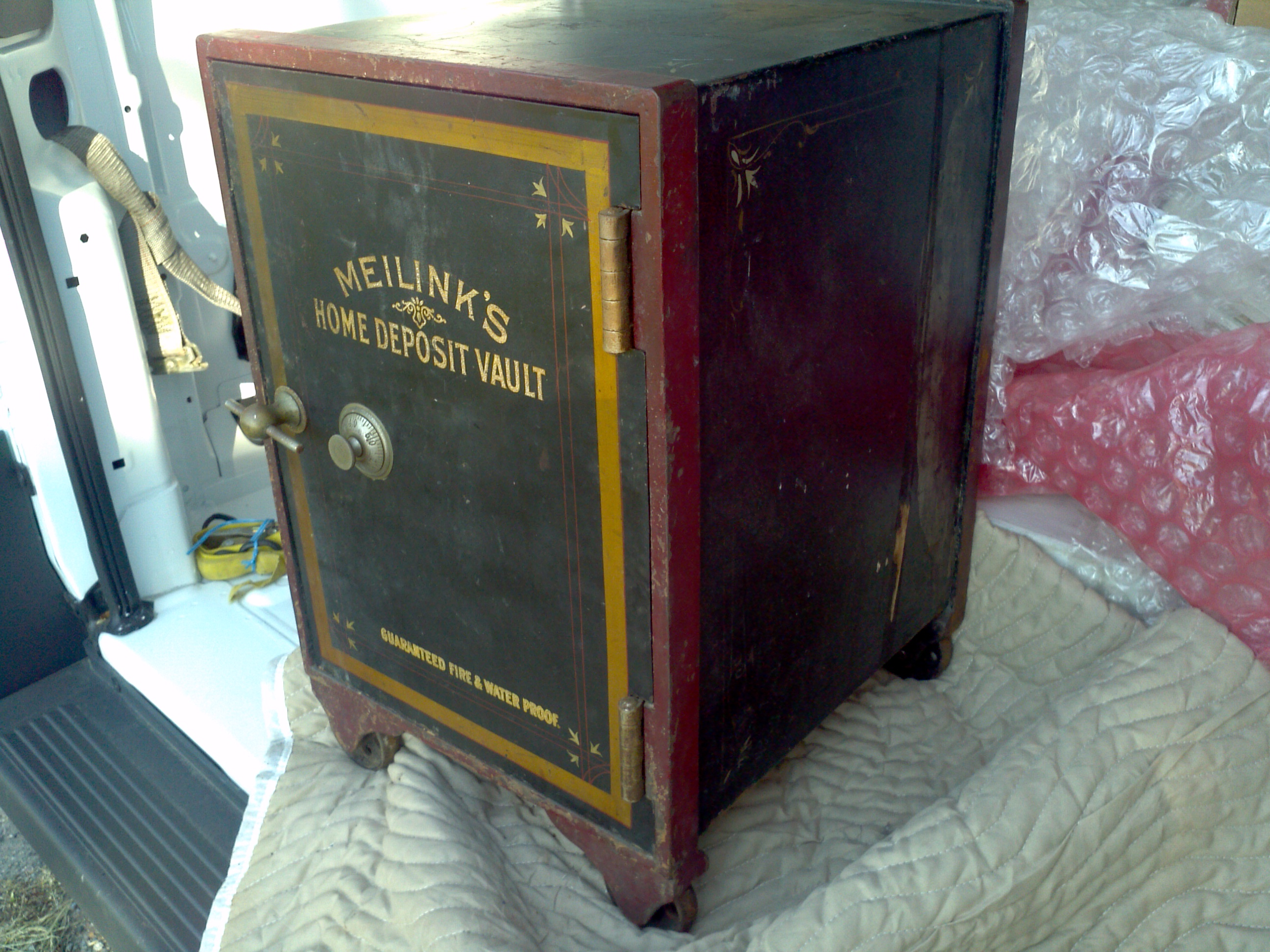 Small Antique Cast Iron Safe Obnoxious Antiques