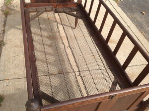 crib antique  2