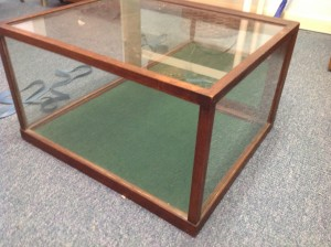 display case small contry store 3
