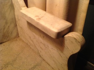 shoe shine stand marble 2
