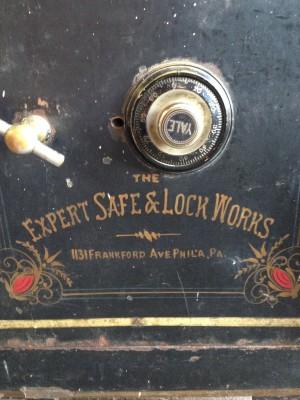 safe antique 7