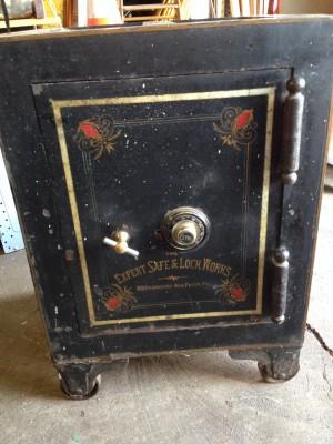 safe antique 8JPG