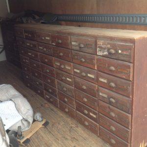 cabinet-hardware-store-1