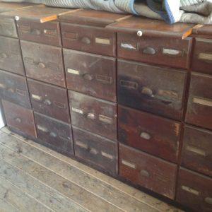 cabinet-hardware-store-3