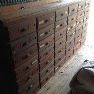 cabinet-hardware-store-4