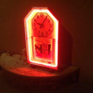 clock-neon-advertising-3