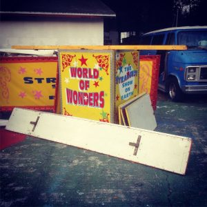 sideshow barkers stand