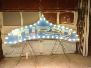 sign amusement park turbo 4