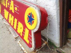 tilt a whirl sign 4