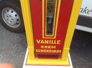 machine chocolate vender 3