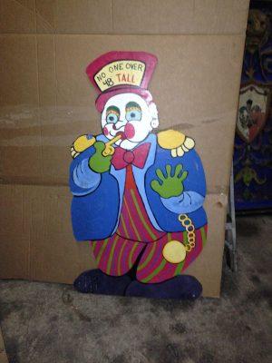 clown height sign 1