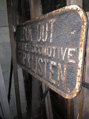 train sign 1