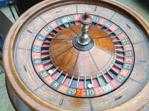 roulette wheel & table 4